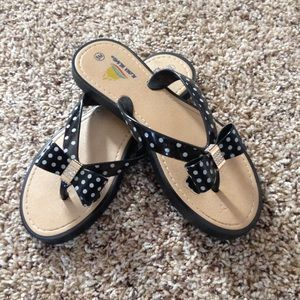 Aloha Island Shoes - Bow Polka Dot Flip Flops