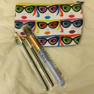 Other - Brush set and makeup case!