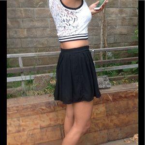 Brandy Melville Dresses & Skirts - Brandy Melville mini skirt one size