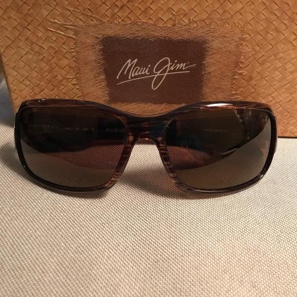 db93231e6e3d Rootbeer Maui Jim Hamoa Beach Sunglasses. M_59015aa92599fe557e006c6e