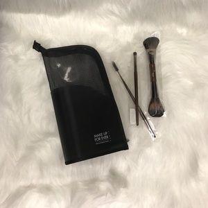 Makeup Forever Other - Make Up For Ever Limited Brush Set