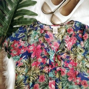Pretty Good Tops - NEW Tropical Print Short Sleeve Blouse