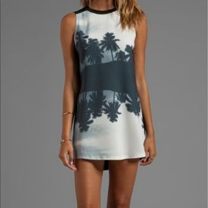 Finders Keepers Dresses & Skirts - Finders keepers palm tree mini shift dress