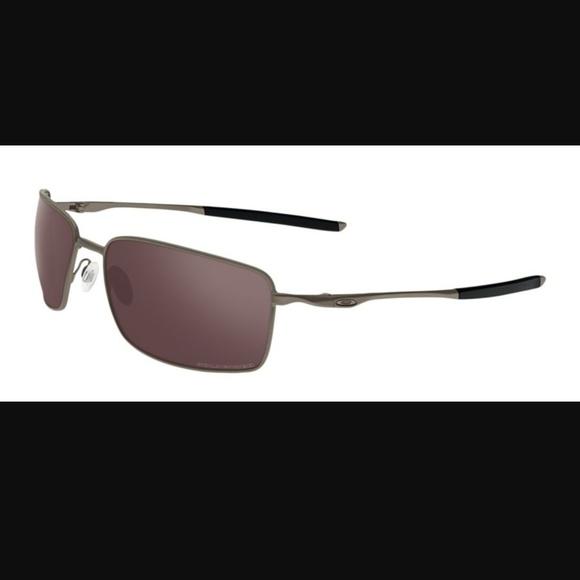 26aac20ac4 Oakley Square Wire II Sunglasses   Free Metal Case