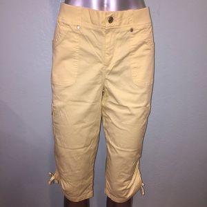 Gloria Vanderbilt Pants - Mellow yellow cropped pant