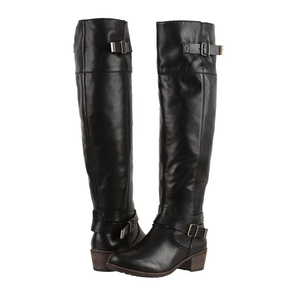 9df6b4bc5bd Bess UGG tall boots NWT