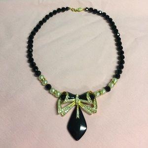 Jewelry - Pearl & Black Jet Gold Tone Statement Necklace