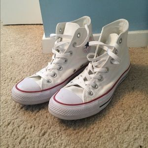 Converse Shoes - White high-top converse