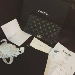 CHANEL Handbags - NWT Chanel boy WOC crossbody