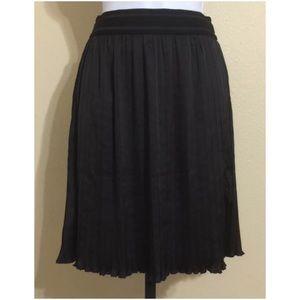 ModCloth Dresses & Skirts - ModCloth Pleated Skirt Size M