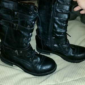 Shoes - Black lightly lined lace up buckle and zipper boot