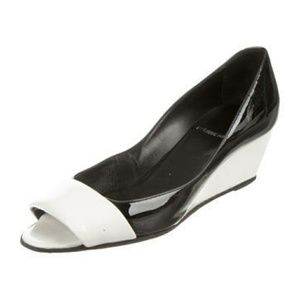 Pierre Hardy Shoes - Pierre Hardy Patent Leather Peep-Toe Wedges