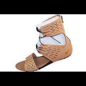 17e483471f5 Nike Shoes - RARE Nike Artemisia Gladiator Sandals 7