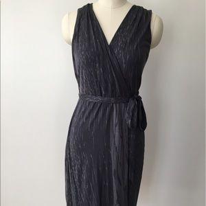 Banana Republic Sleeveless Gray Wrap Dress