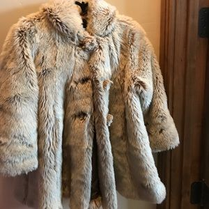 Jean Bourget Other - 🎉🎈SALE🎈🎉 Jean Bourget fur coat! (Fake fur)