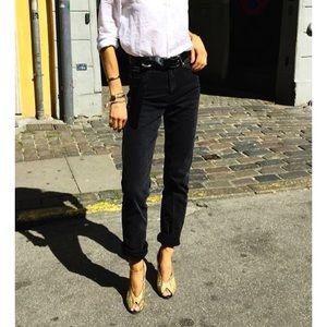 Levi's Denim - Pitch black mom jeans