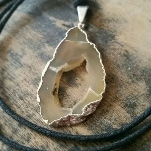 Jewelry - Geode necklace