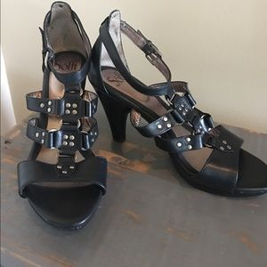 Sofft Black Leather Strappy Sandals/Heels