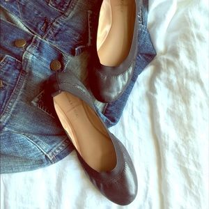 Banana Republic stretch flats
