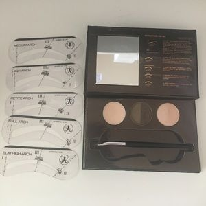 Anastasia Beverly Hills Other - Anastasia Beauty Express for Brows and Eyes