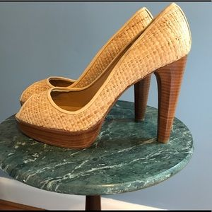 Stuart Weitzman Shoes - EUC Stuart Weitzman Peep Toe Pumps! Smoke free