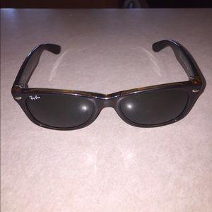 Ray-Ban Other - Ray Ban New Wayfarer sunglasses