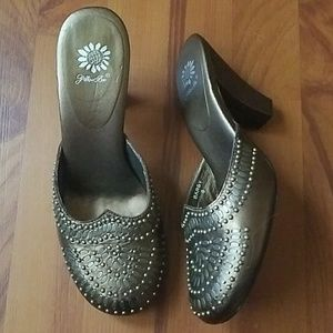 Yellow Box Shoes - Yellow Box Bronze Barby Clog Heels Size 9