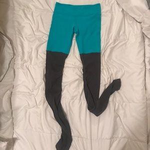 ALO Yoga Pants - Alo Goddess Legging