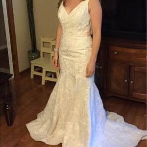 Oleg Cassini Dresses & Skirts - New Listing 🌟 NWT Oleg Cassini wedding gown