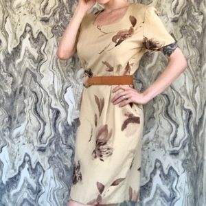 Maggy London Dresses & Skirts - 100% Silk Dress ❤️😍😘