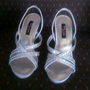 Nina Shoes - Beautiful silver high heels shoes