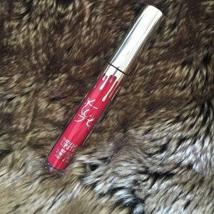 Kylie Cosmetics Other - Kylie Matte Lipstick in Okurrr