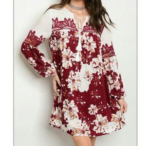 Dresses & Skirts - 💋JUST ARRIVED💋Flirty Boho floral dress