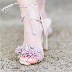Shoes - Frilly lace up pumps