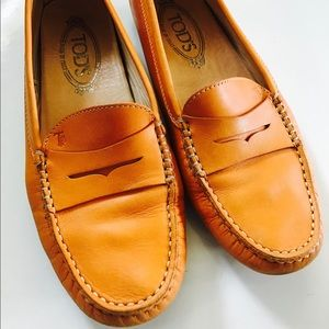 Tod's Shoes - Women's Orange Tod's Leather Loafers