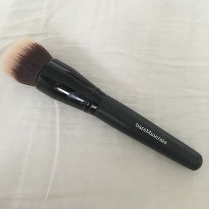 Bare Escentuals Other - BARE MINERALS SMOOTHING FACE BRUSH