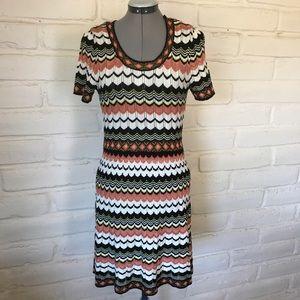 Dorothy Perkins Dresses & Skirts - Dorothy Perkins Knit Chevron Dress Short Sleeve