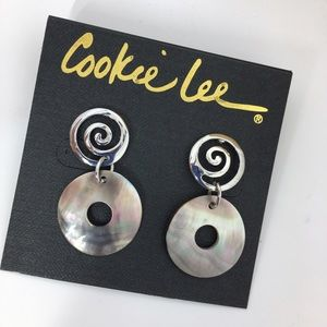 Cookie Lee Jewelry - 🎁 Cookie Lee | Genuine Shell Earrings