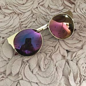 Quay Australia Accessories - Quay Australia pink lens sunglasses