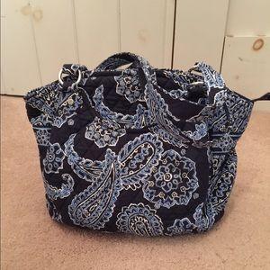 Vera Bradley Handbags - 💐Vera Bradley shoulder bag. Blue Bandanna