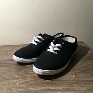 Shoes - Womens Canvas Shoes