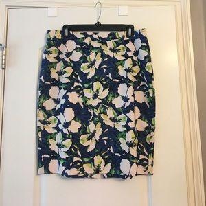 EUC j.crew floral design pencil skirt size 8