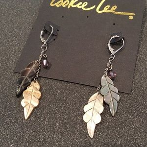 Cookie Lee Jewelry - 🎁 Cookie Lee | Shell Leaf & Crystal Earrings