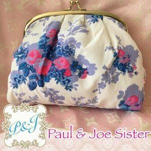 Paul & Joe Handbags - 👛BRAND NEW Paul & Joe Sister Floral Clutch🌸