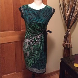 Just Taylor Dresses & Skirts - SUPER CUTE 'Just Taylor' dress