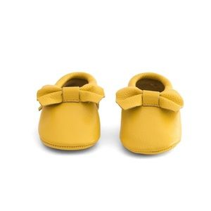 MAC&LOU Other - MAC&LOU BOW BABY LEATHER MOCCASINS YELLOW