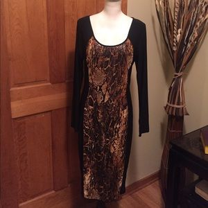 Symphony Dresses & Skirts - 💋❤️❣️SUPER SEXY Symphony figure flattering dress