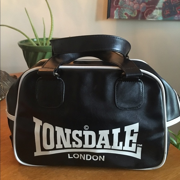 lonsdale Handbags - Lonsdale bowling bag barely used 0525d51b012ac