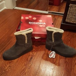 Shoes - Sonoma boots