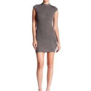 Want & Need Mock Neck Bodycon Dress Size M